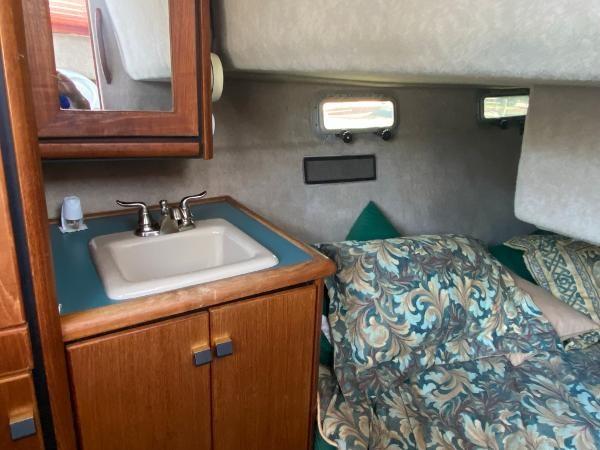 1989 Bayliner 3288 Motoryacht Photo 37 sur 42