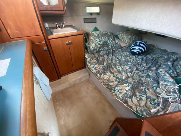 1989 Bayliner 3288 Motoryacht Photo 38 sur 42