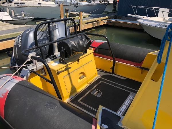2001 Titan 249 XL Offshore Cabin Photo 5 sur 18