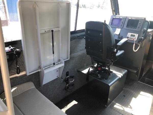 2001 Titan 249 XL Offshore Cabin Photo 8 sur 18