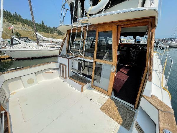 1991 Bayliner 3288 Motoryacht Photo 19 sur 65