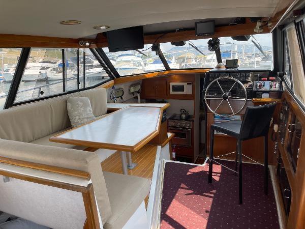1991 Bayliner 3288 Motoryacht Photo 21 sur 65