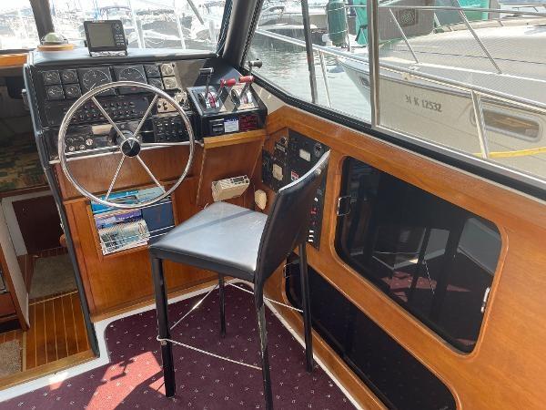 1991 Bayliner 3288 Motoryacht Photo 35 sur 65