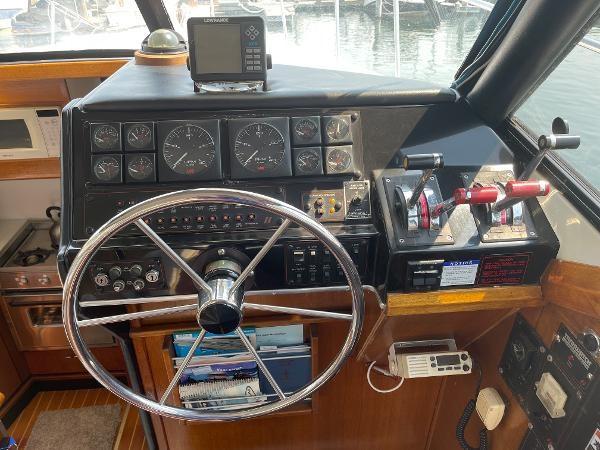 1991 Bayliner 3288 Motoryacht Photo 36 sur 65