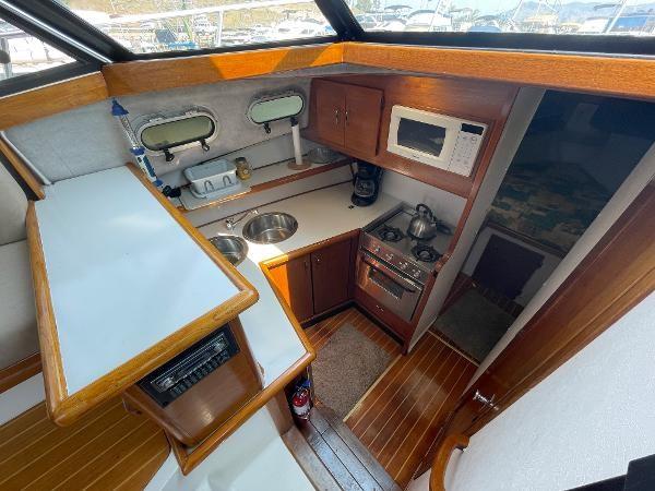 1991 Bayliner 3288 Motoryacht Photo 40 sur 65