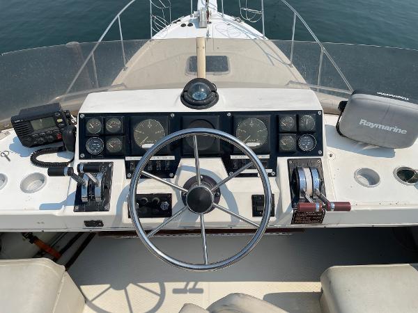 1991 Bayliner 3288 Motoryacht Photo 61 sur 65