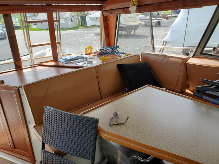 1988 Bayliner Motoryacht Photo 9 of 15