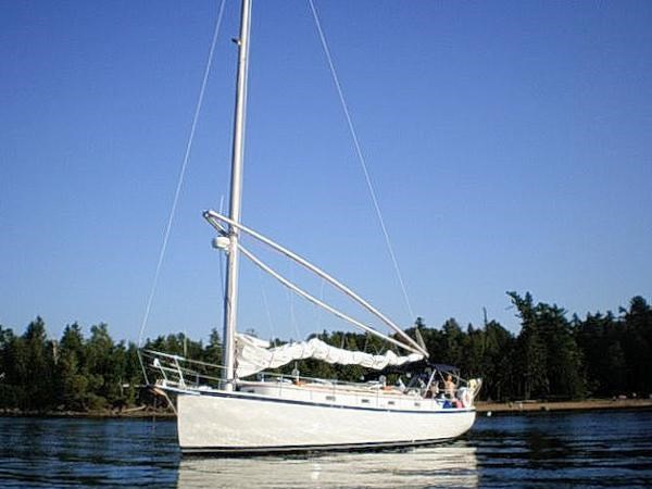 1985 Nonsuch 36 Photo 1 of 58