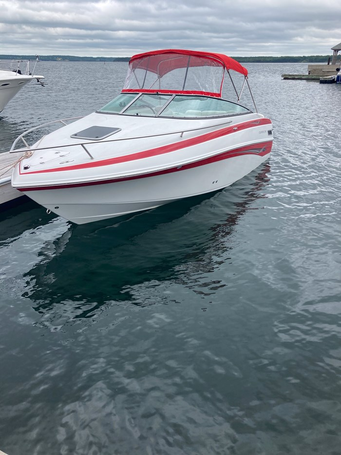 2007 Crownline CR220 Photo 2 of 9