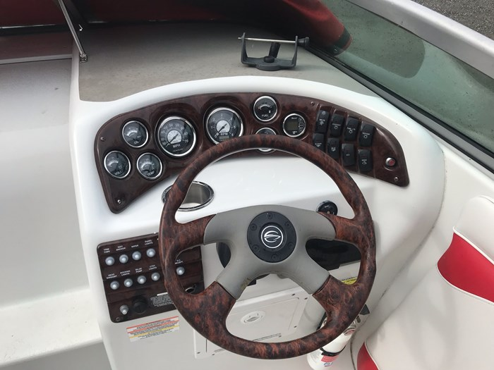2007 Crownline CR220 Photo 4 of 9