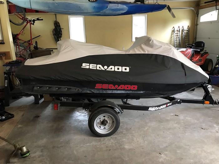 2011 Sea-Doo GTX 215 Photo 2 sur 3