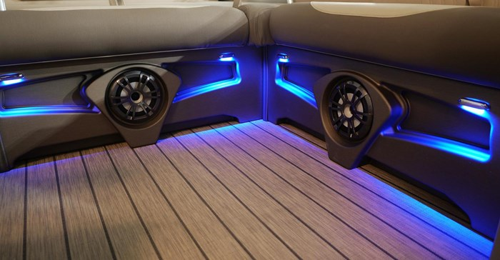 2022 Legend Q-Series Dual Lounge Photo 11 sur 19