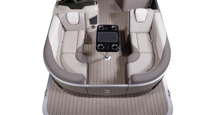 2022 Legend Q-Series Dual Lounge Photo 13 sur 19