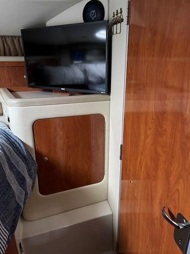 2005 Larson Cabrio 370 Photo 35 of 38