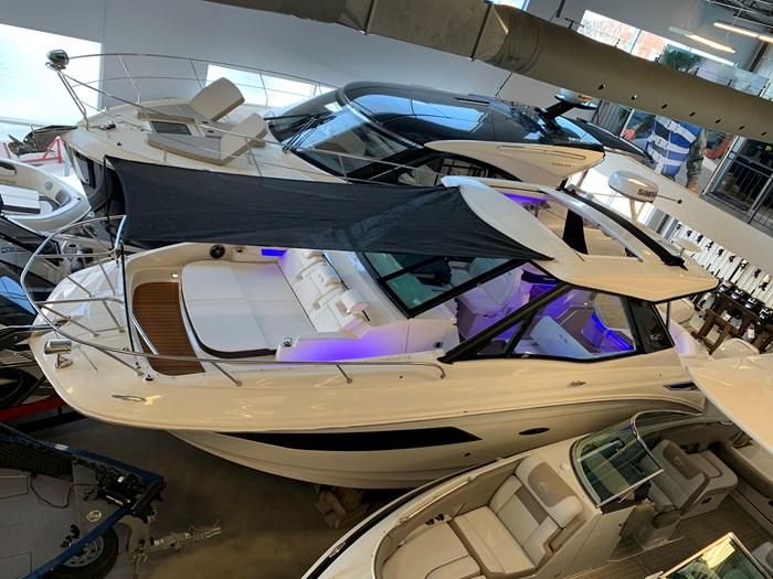 2021 Sea Ray Sundancer 320 O/B Photo 2 of 51