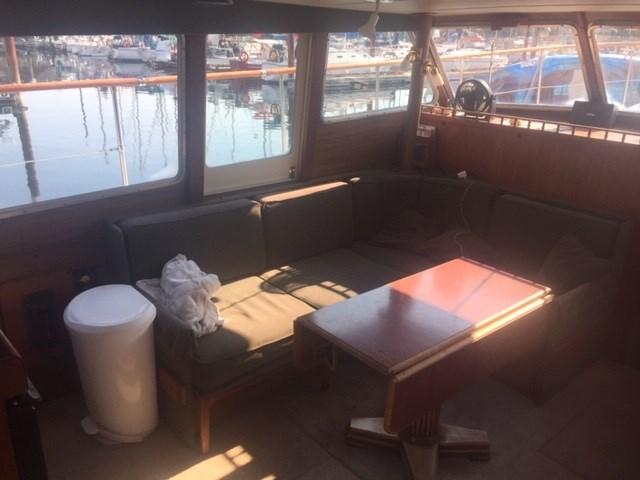 1978 Tollycraft Tri Cabin Sedan Flybridge Trawler Photo 16 sur 22