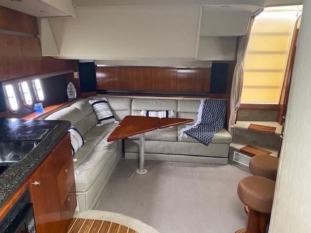 2006 Cruisers Yachts 420 Express Photo 6 of 10