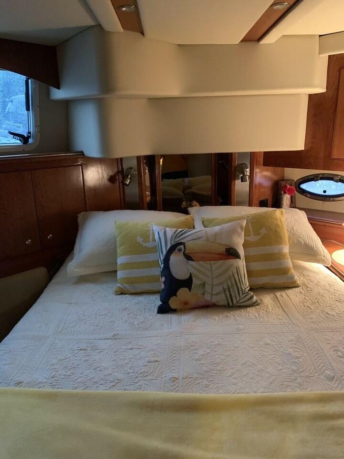 2007 Cruisers Yachts, 455 Express Moteryacht Photo 2 of 7