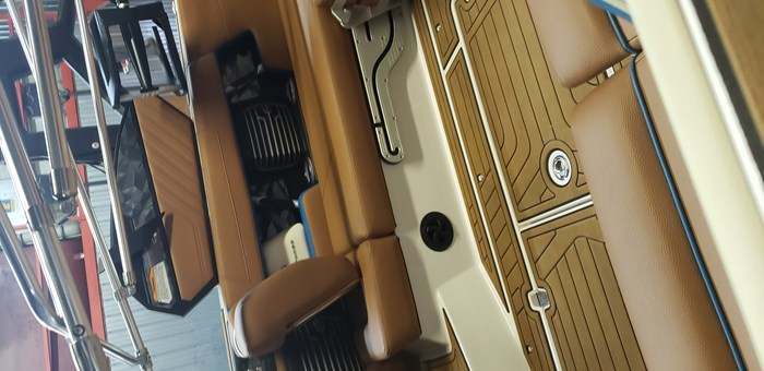 2020 Air Nautique G23 Photo 3 of 11