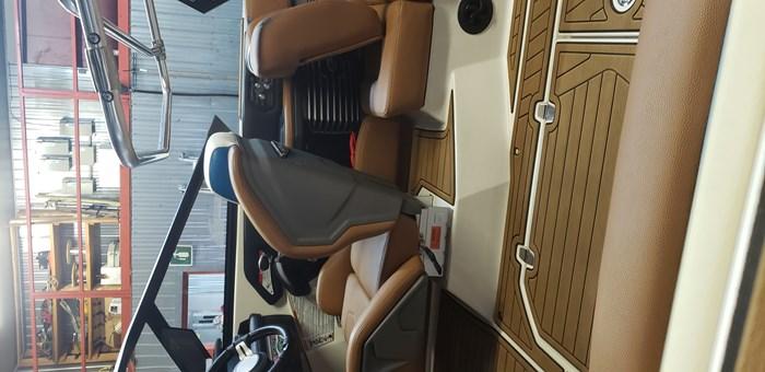 2020 Air Nautique G23 Photo 6 of 11