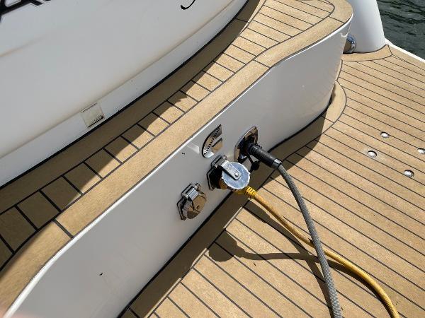 2003 Sealine S37 Sports Cruiser Photo 14 sur 56
