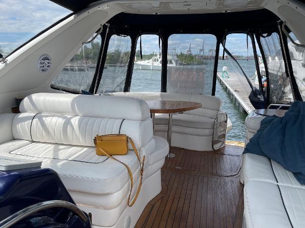 2003 Sealine S37 Sports Cruiser Photo 19 sur 56