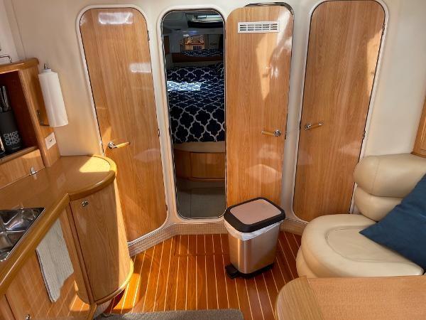 2003 Sealine S37 Sports Cruiser Photo 32 sur 56