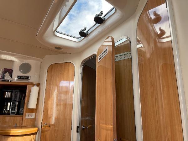 2003 Sealine S37 Sports Cruiser Photo 39 sur 56