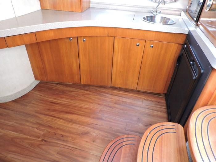 2002 Regal 4260 Commodore Photo 17 of 55