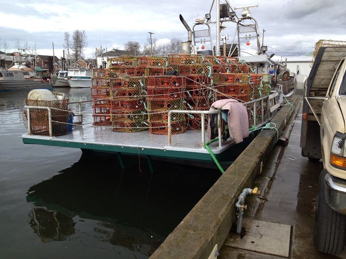 1974 37 x 18 fiberglass crab boat Photo 34 of 36