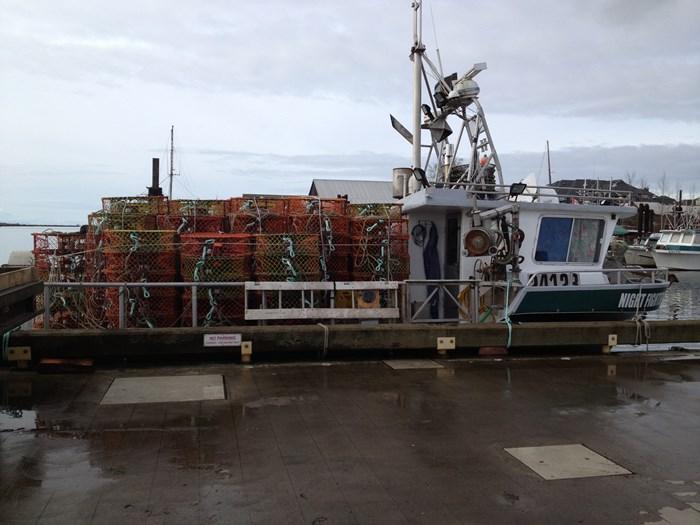 1974 37 x 18 fiberglass crab boat Photo 35 of 36