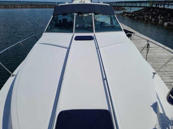 1988 Sea Ray 340 Express Cruiser Photo 12 sur 64