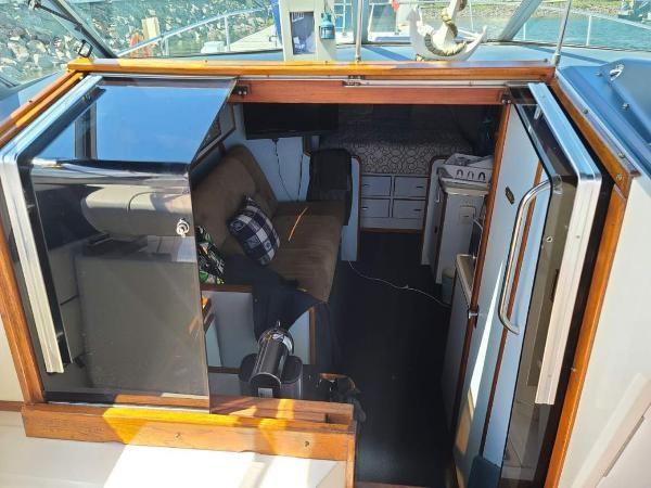 1988 Sea Ray 340 Express Cruiser Photo 30 sur 64