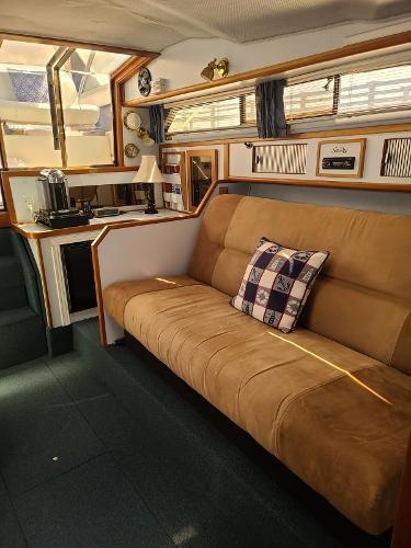1988 Sea Ray 340 Express Cruiser Photo 41 sur 64