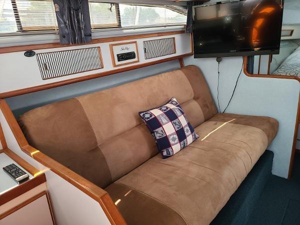 1988 Sea Ray 340 Express Cruiser Photo 44 sur 64