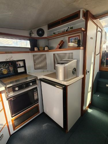1988 Sea Ray 340 Express Cruiser Photo 55 sur 64