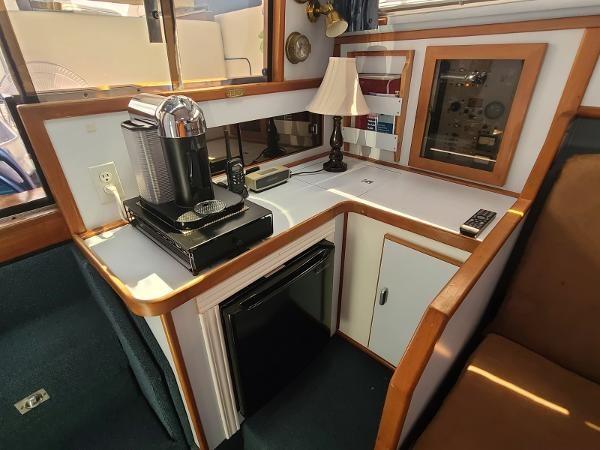 1988 Sea Ray 340 Express Cruiser Photo 59 sur 64