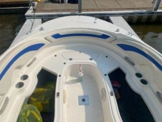 2006 Bayliner 249 deck boat Photo 11 sur 15