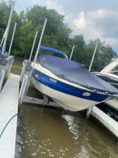 2006 Bayliner 249 deck boat Photo 13 sur 15