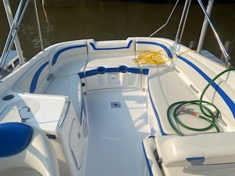 2006 Bayliner 249 deck boat Photo 15 sur 15
