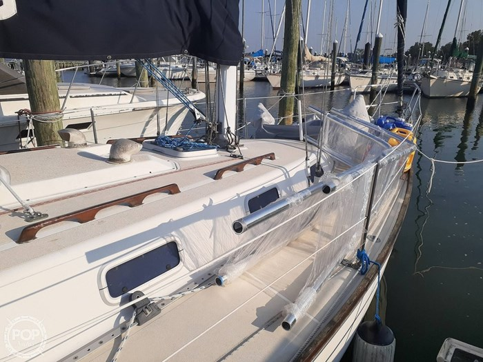 1988 Tartan Yachts 31 Photo 9 of 20