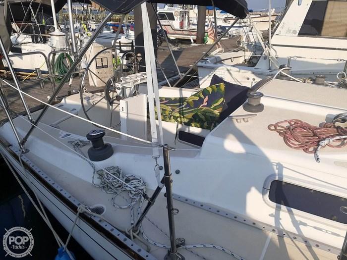 1988 Tartan Yachts 31 Photo 12 of 20