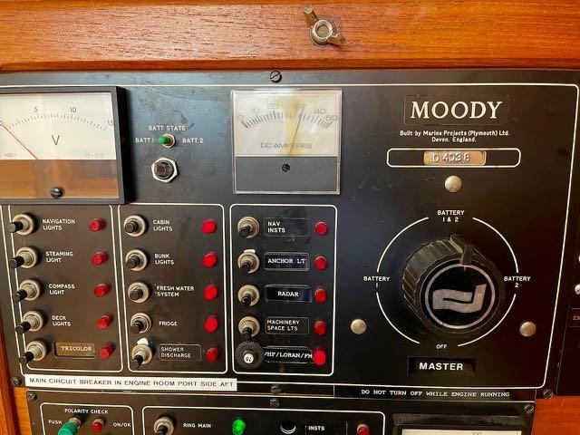 1987 Moody Moody 422 - Sale Pending Photo 14 of 27