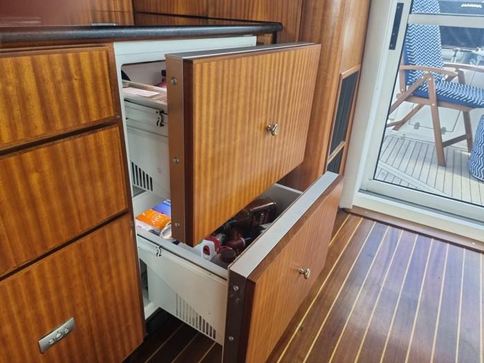 1999 Cruisers Yachts 5000 (50 Sedan Bridge) Photo 12 of 45