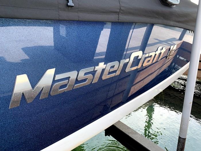 2015 Mastercraft X23 Photo 2 of 25