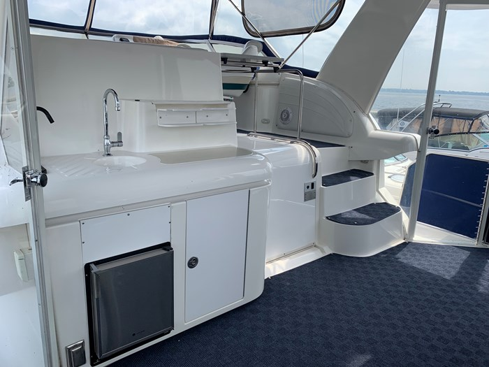 1996 Cruisers Yachts 3650 Aft Cabin Photo 3 sur 18