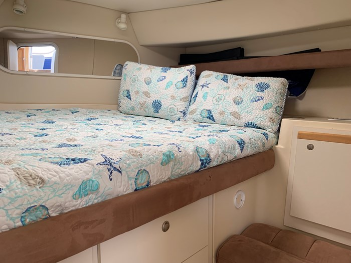 1996 Cruisers Yachts 3650 Aft Cabin Photo 11 sur 18