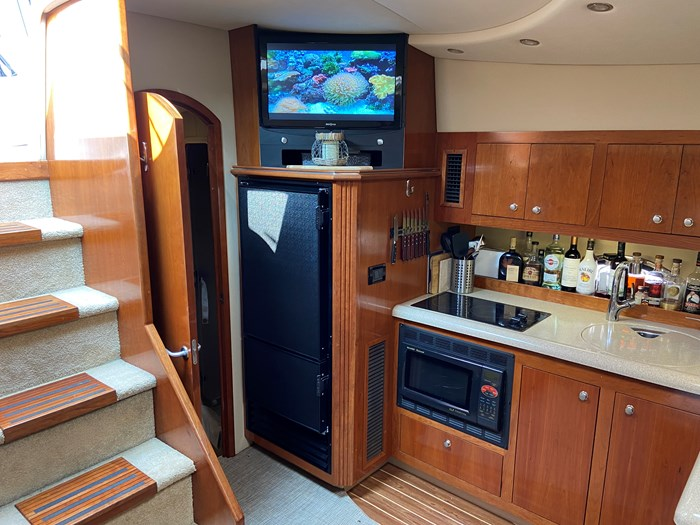 2004 Cruisers Yachts 440 Express (diesel) Photo 10 of 15