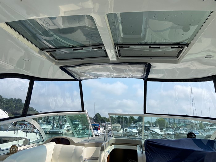 2004 Cruisers Yachts 440 Express (diesel) Photo 11 of 15