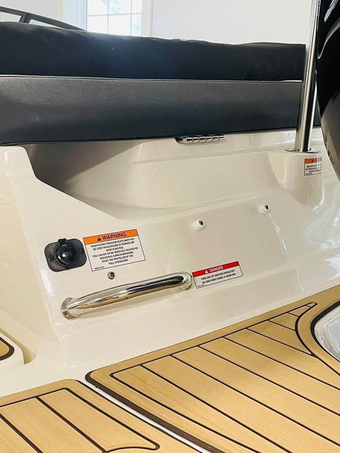 2021 Sea Ray SPX 190 OB Photo 8 of 11